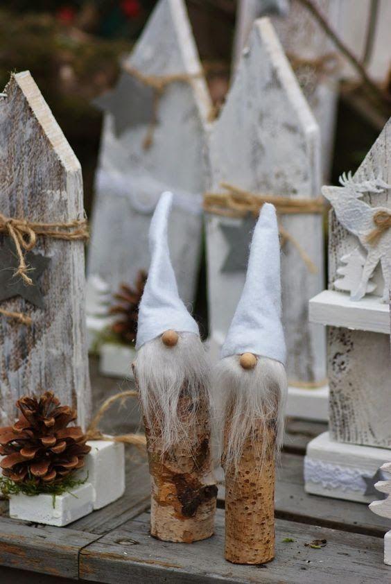 Gnomes avec des branches en bois