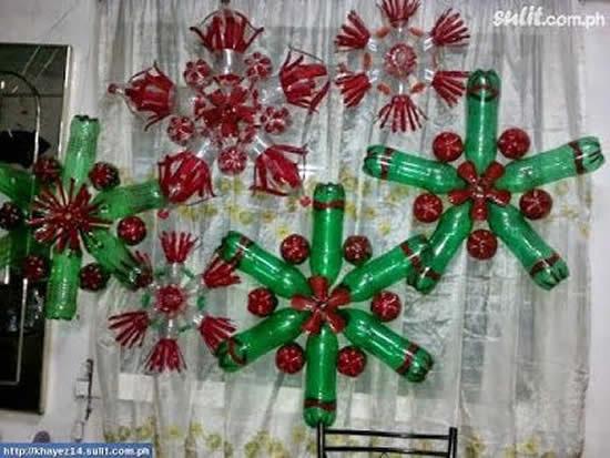 Ornement de Noël avec des bouteilles en plastique