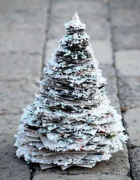 Petit arbre avec carton pour Noël