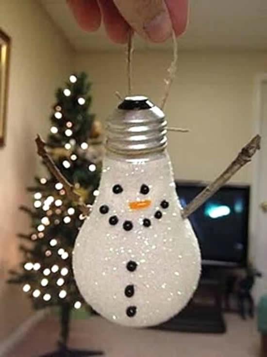 Décoration de Noël avec lampe ancienne