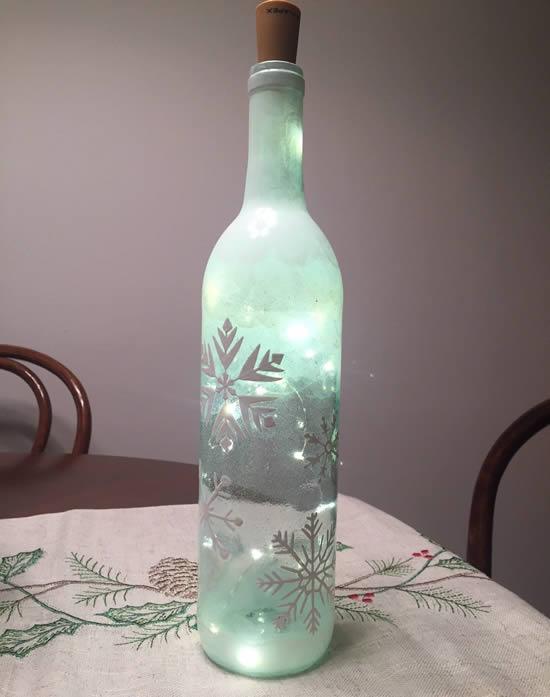 Décoration avec flasher et bouteilles