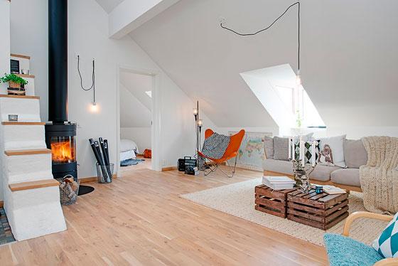 intérieur grenier dans une maison privée