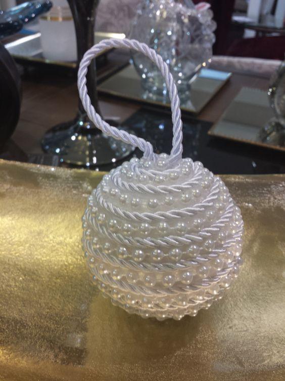 Boule de Noël avec des perles