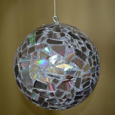 Ornement de Noël avec boule de polystyrène