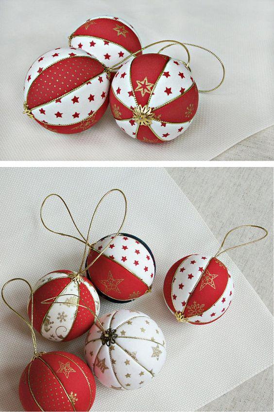 Boule de Noël en polystyrène avec plis