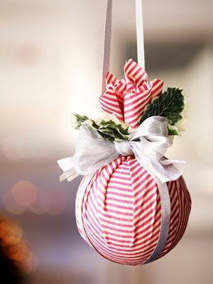Boule de Noël avec polystyrène et tissu