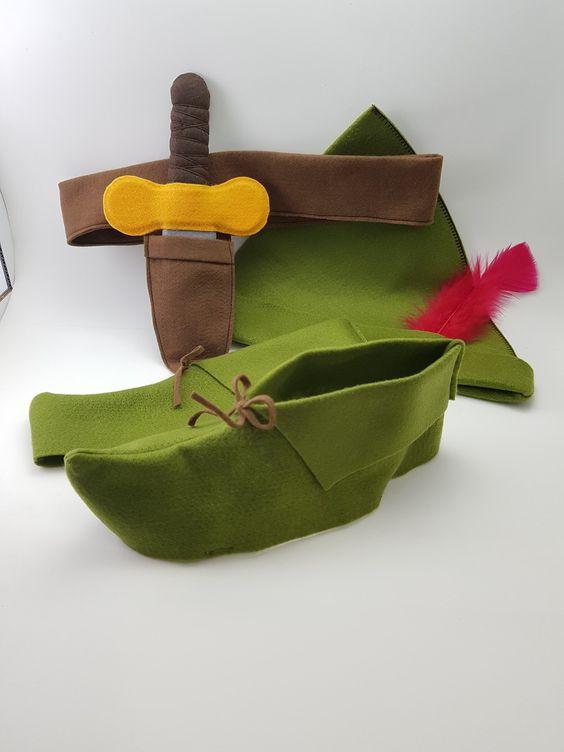 Ensemble chapeau, chaussures et couteaux Peter Pan en feutre