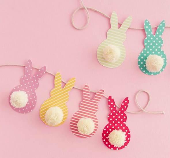 Couronne de Pâques avec des moules pour faire des lapins en papier